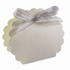 Hammered Ivory Scalloped Clam Designer Favour Boxes